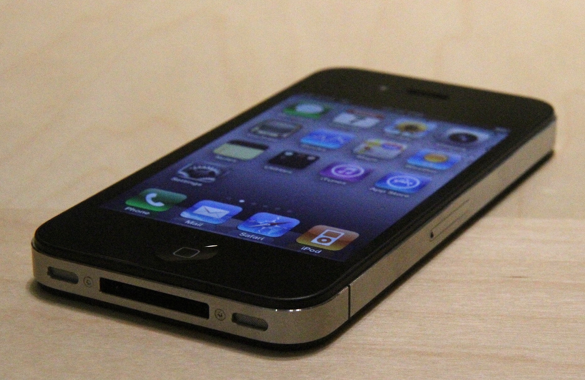 iphone-4-iphone4-ios4-hands-on-preview-14